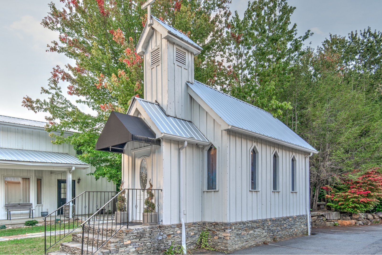 Miss Carolines Wedding Chapel – WNC Wedding/Elopement Destination